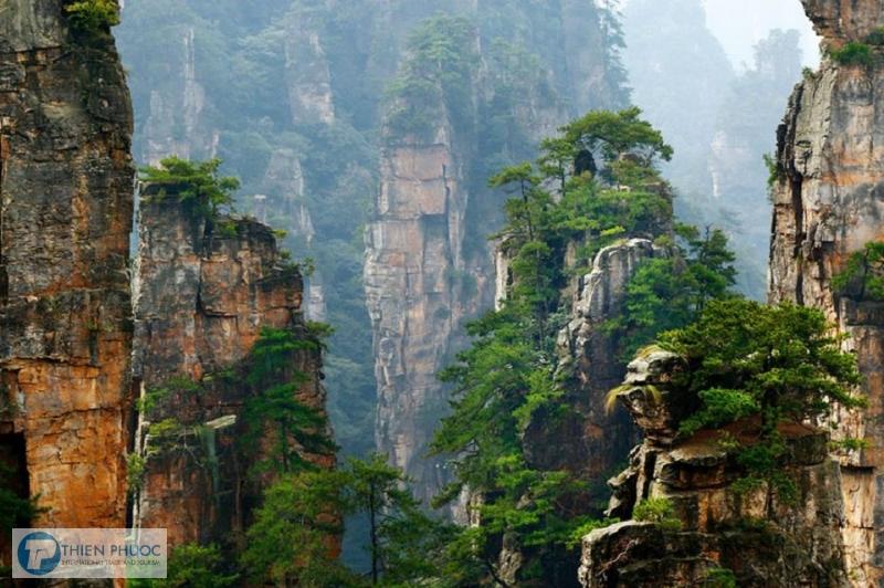 Tìm hiểu về cổng trời Thiên Môn Sơn ở Trung Quốc
